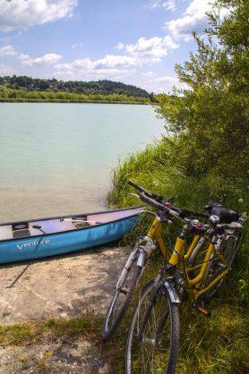 Radfahren und Paddeln auf der Drau
